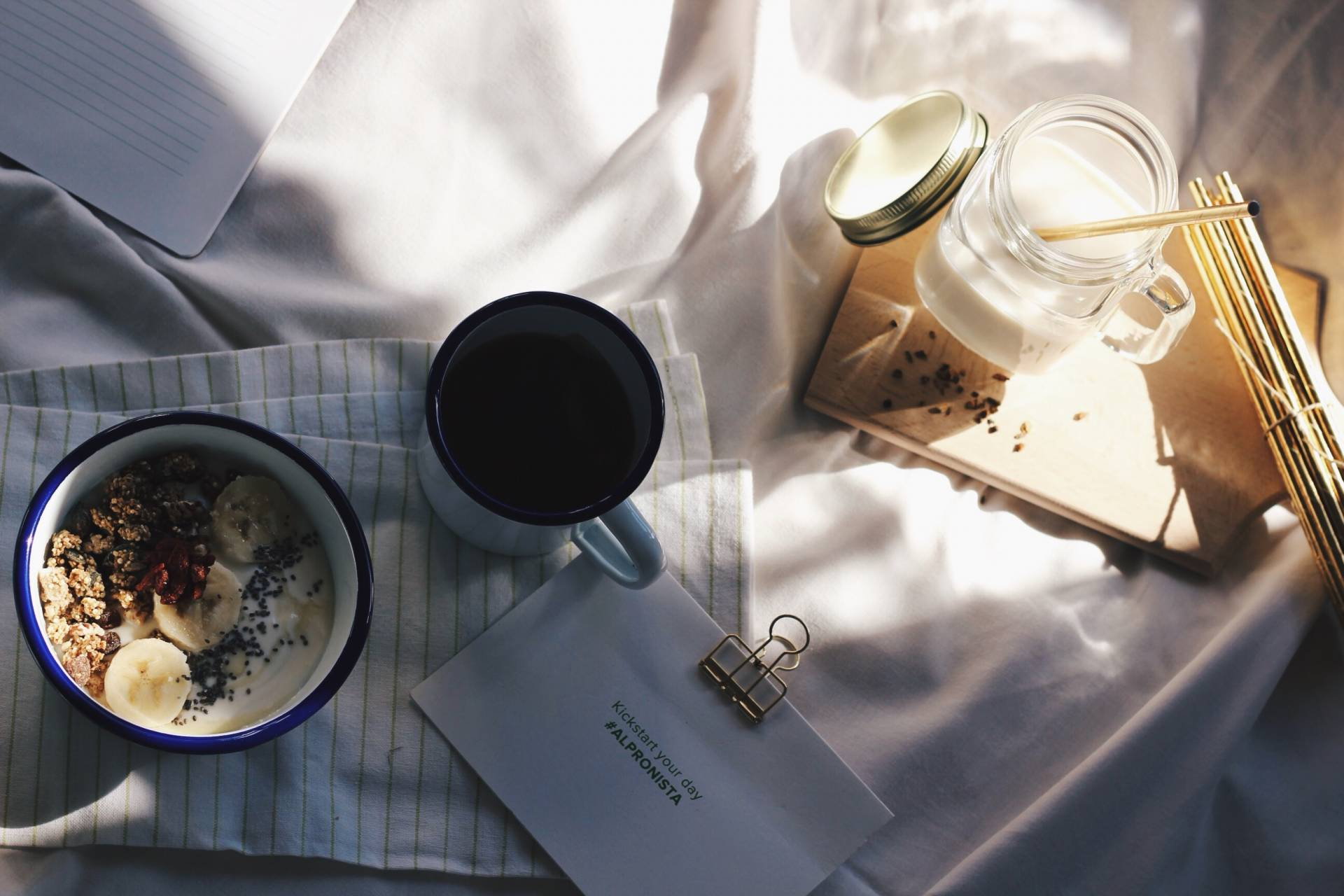 Sunday mornings with Alpro © Yolisa van den Eeden - www.cestyoli.com
